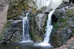 Cheile-Borzesti-Cascada-Ciucas